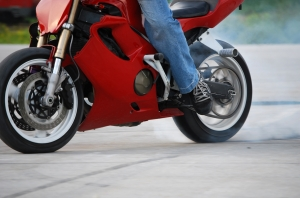 1301096_motorcycle_stunter_tyre_burnout_